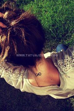 tatuaje del infinito en la nuca 3
