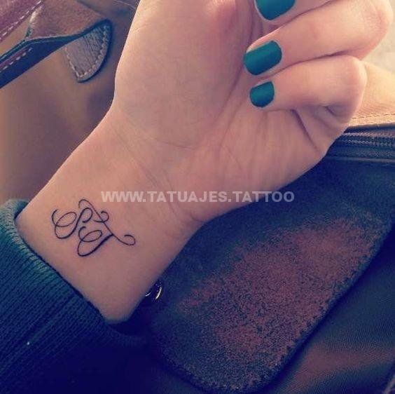f8415233384835e0415536c4c59f7c6c Tatuajes de Iniciales
